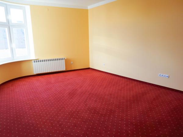Do wynajęcia lokal biurowy o powierzchni 85 m2 w reprezentacyjnej kamienicy
