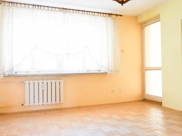 Przestronne mieszkanie z potencjałem prestiżowej lokalizacji